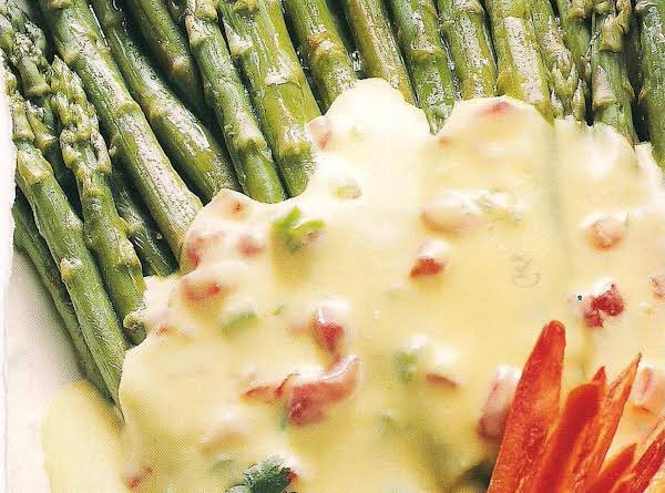 Asparagus With Jalapeno Hollandaise Sauce Recipe