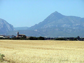 Photo: Vista de Siétamo desde el camino que conduce a Abrisén - © José Antonio Serrate Sierra