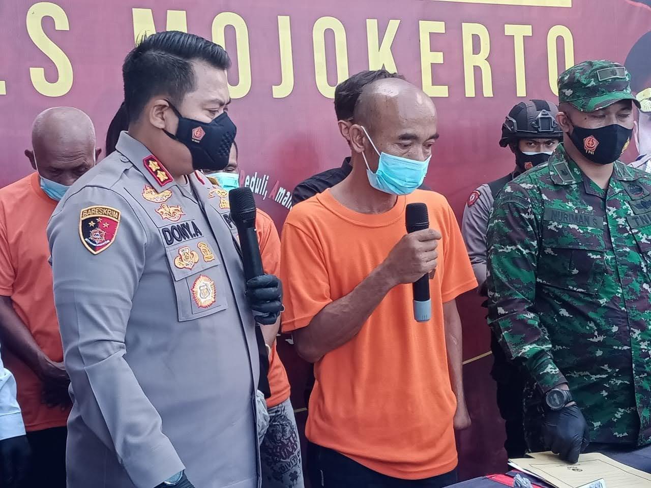Polisi Mojokerto Berhasil Sita Ratusan Petasan,Dan Krangkeng Pembuatnya