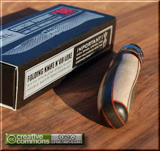 Photo: Opinel custom n°038 Camphrier, ébène. http://opinel-passions-bois.blogspot.fr/ Personnalisations en marquèterie de bois précieux, cornes, résines et aluminium du couteau pliant de poche de la célèbre marque Savoyarde Opinel.