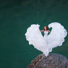 Wedding photographer Liliya Kulinich (Liliyakulinich). Photo of 14.04.2018
