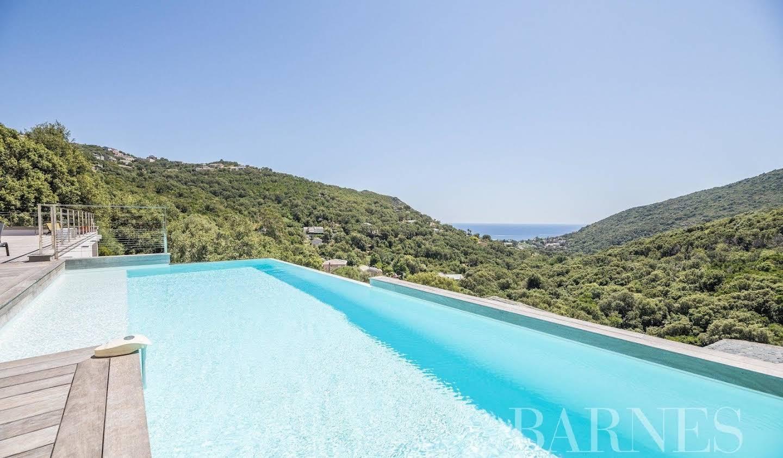 Villa avec piscine et terrasse Bastia