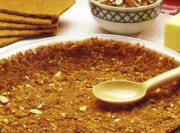 Mix crust ingredients and press onto bottom and sides of microsafe 9-inch pie pan.