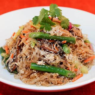 Baked Bean Thread Noodles with Crab (Mien Xao Cua Dut Lo) Recipe