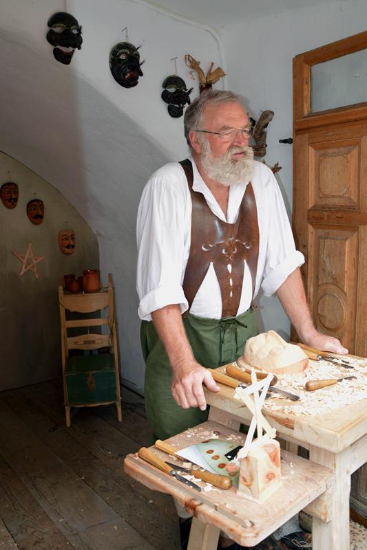 lo scultore del legno di rita18