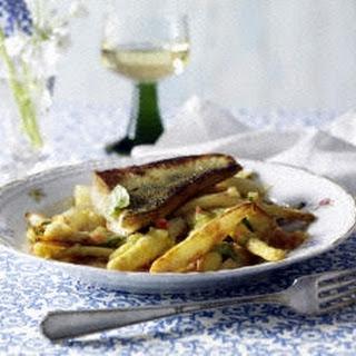 Gebratener Spargel mit Kartoffel-Tomaten-Vinaigrette zu Zanderfilet