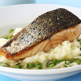 Salmon with Peas and Mashed Potatoes.