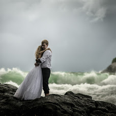 Wedding photographer Iosif Yurlov (LuckyCat). Photo of 10.10.2014