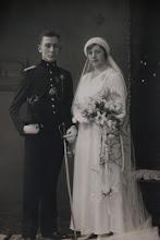 Photo: Johanna Gerarda ('Annie') Keppel Hesselink (1907-1981) trouwde op 9-6-1931 te Velp met de marechaussee Johan Jacob Arnold Harbrink Numan (1909-1994). Uit dit huwelijk drie kinderen.