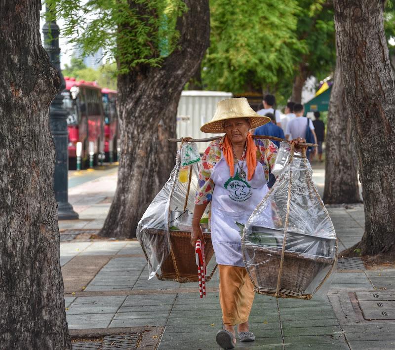 People in Bangkok di sissy