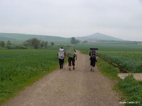 Photo: Pluie du matin n'arrête pas les pélerins....