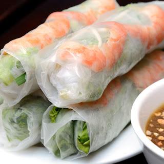 Vietnamese Fresh Spring Rolls With Hoisin Peanut Sauce