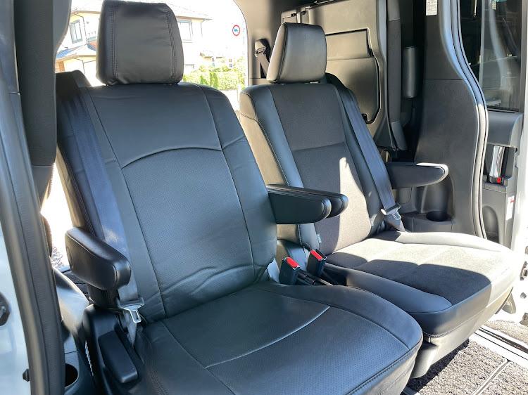 ノア ZWR80Wのシートカバー取付,クラッィオ,洗車に関するカスタム&メンテナンスの投稿画像1枚目