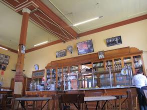 Photo: Uno de los escaparates Bar Restaurante Cordano Centro de Lima Mayo - 2014
