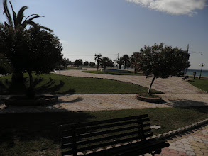 Photo: Το πάρκο μπροστά από το σπίτι 6-The park in frond of house