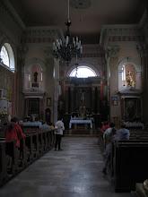 Photo: Wnętrze kościoła ma wystrój klasycystyczny.