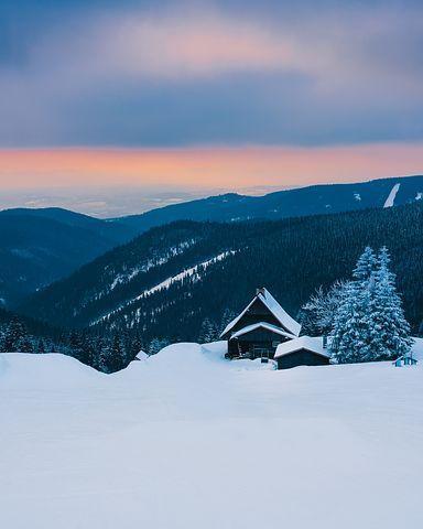 refuge randonnée à ski en famille enfant