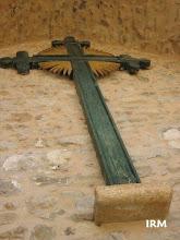 Photo: 05 06 26 Cruz de la fachada (26 de marzo, 2005)