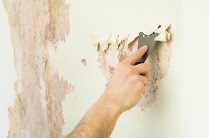 Usuwanie farby ze ściany