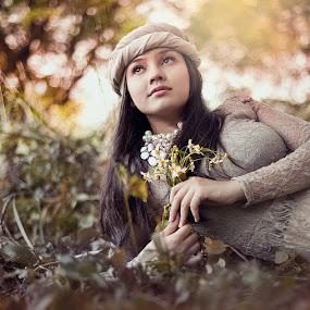 Beauty.. by Mahathir Abdul Ghani - People Portraits of Women