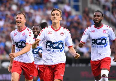 Julien De Sart, impliqué dans les trois buts,est satisfait de la solidité à Seraing