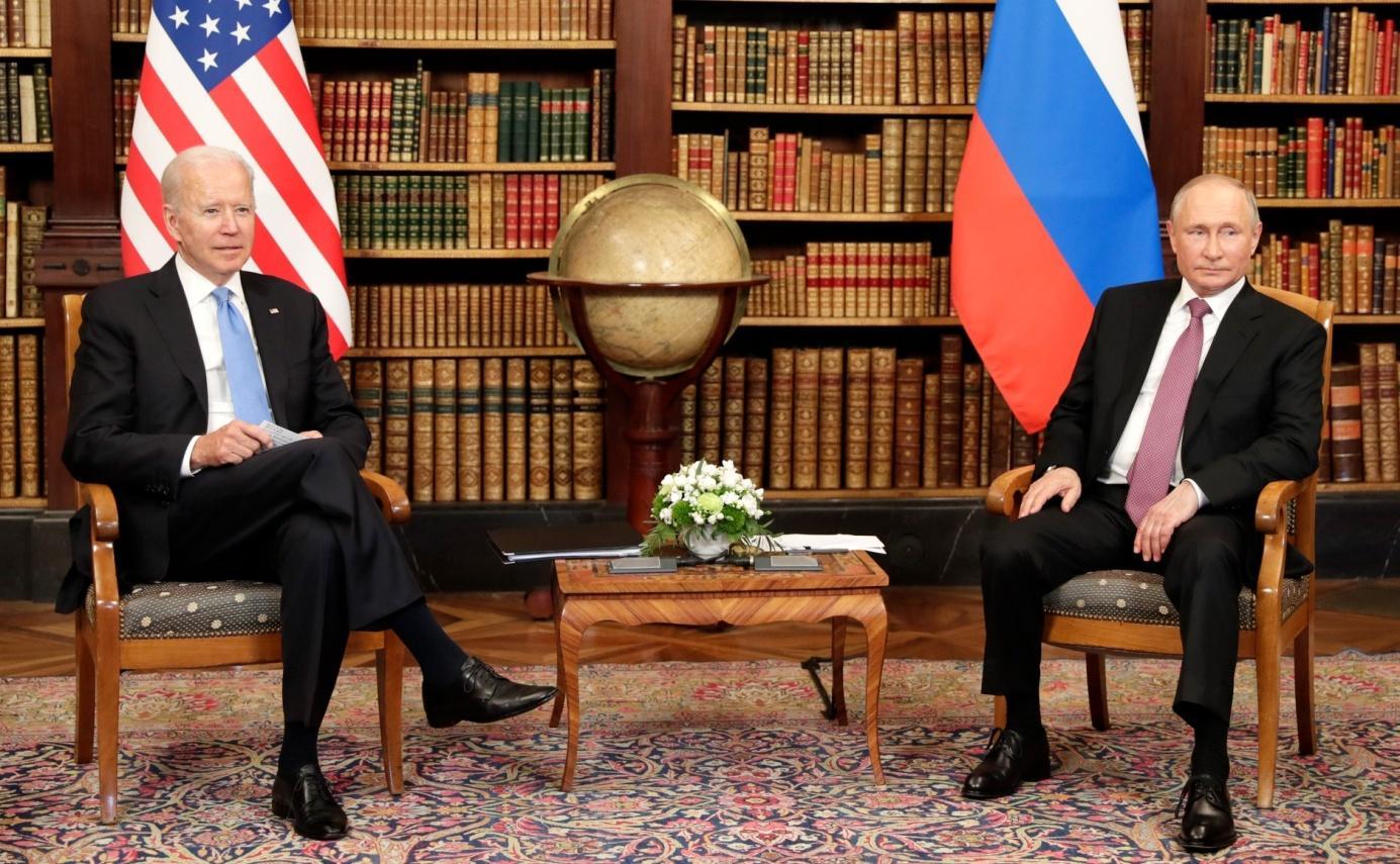 Datei:Joe Biden and Vladimir Putin in Geneva, 16 June 2021 (05).jpg –  Wikipedia