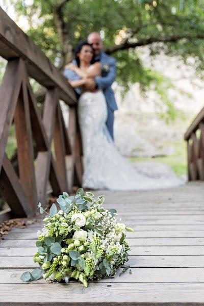 Fotógrafo de casamento Giedre sky Razmantaite (bySKY). Foto de 07.08.2019