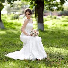 Wedding photographer Vitaliy Bartyshov (Bartyshov). Photo of 13.02.2014