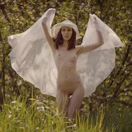 Favorite season by Dmitry Laudin - Nudes & Boudoir Artistic Nude ( spring, beautiful, warm, bright, nude, girl, sunny )