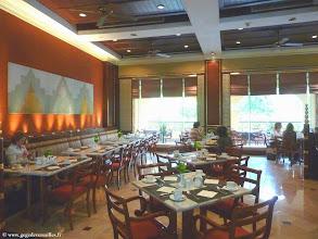 Photo: #012-Mandalay, le Mandalay Hill Resort. Le restaurant.
