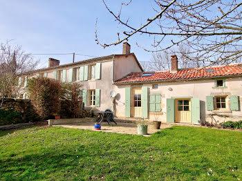 maison à Le Beugnon (79)