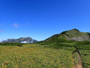 別山平(左に白山)