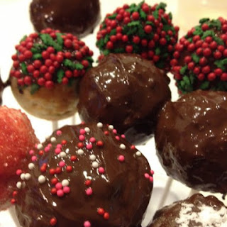 Three Minute Donut Holes in a Babycakes Cake Pops Maker