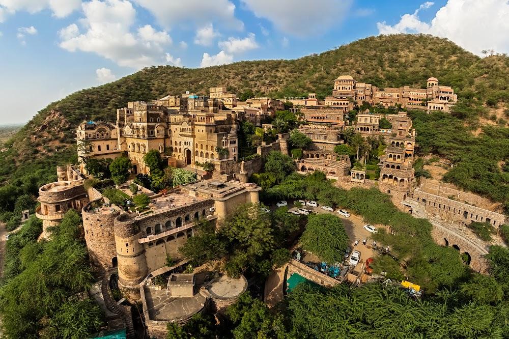 top-monsoon-getaways-delhi-Neemrana_Rajasthan