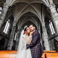 Wedding photographer Taras Nagirnyak (TarasN). Photo of 17.10.2018