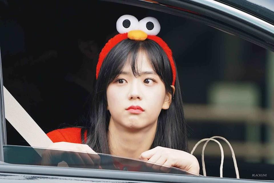 blackpink-jisoo-leaving-inkigayo-2018-7