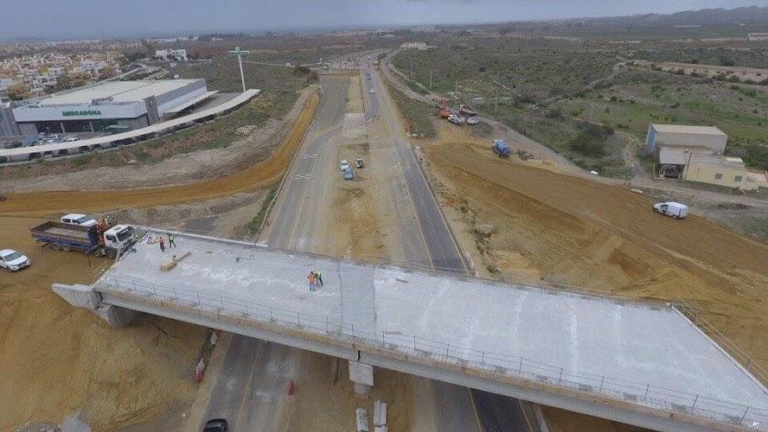 Obras en la carretera entre Vera y Garrucha.