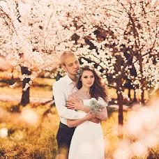 Wedding photographer Oksana Novosadova (Oks-FOX). Photo of 17.04.2013
