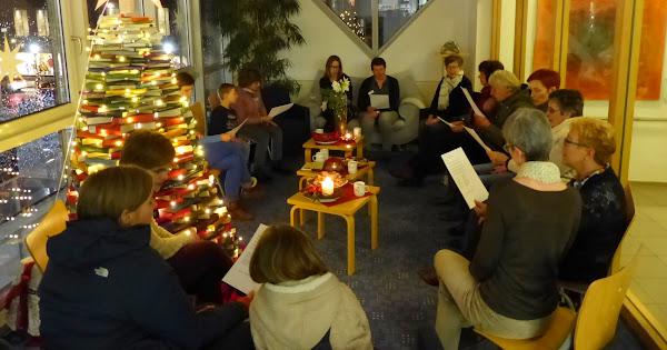 Lebendiger Adventskalender ökumenisch in der Stadtbibliothek 13.12.2017