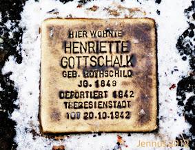 Photo: Stolperstein: Deportaion aus Hannover in den Tod nach Theresienstadt