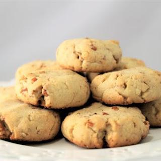Sugar-FreeToasted Pecan Spelt Shortbread Cookies.