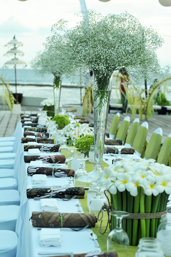 Wedding Reception With Green White Theme By Aisle Project Regina Saschia