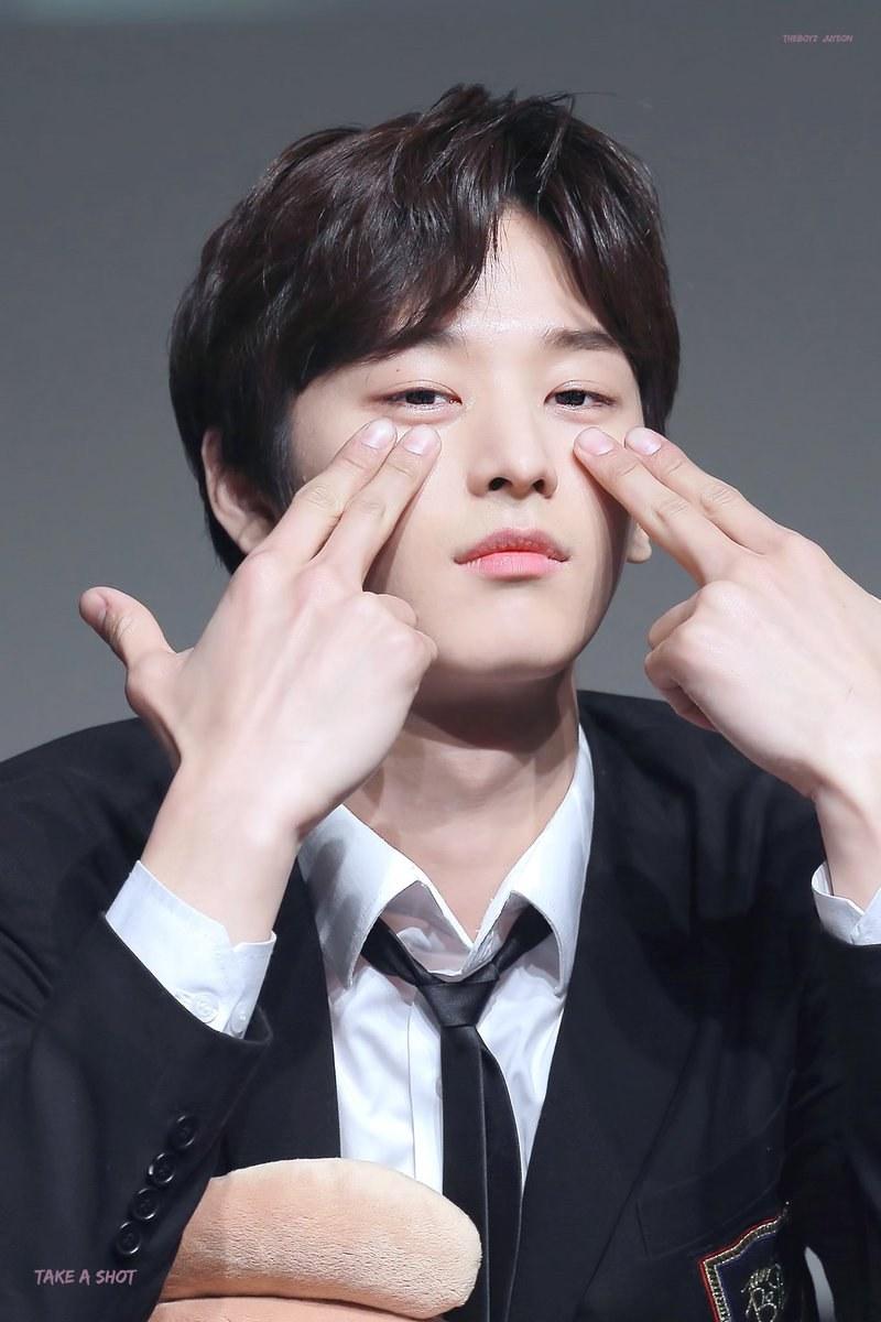juyeon hands 2