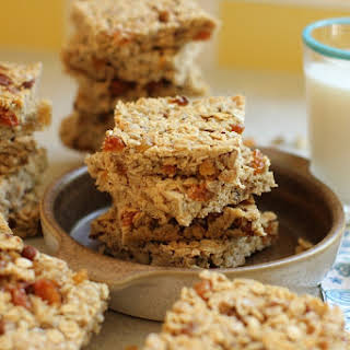 Homemade Granola Bars (with all kinds of variations) to Beat Those Lunch Box Blues.