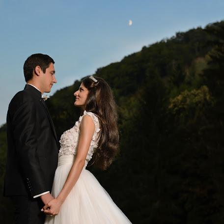 Wedding photographer Catalin Mosteanu (mosteanu). Photo of 14.04.2016
