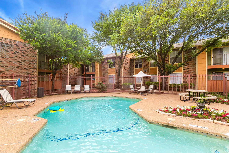 Bella Vista Pointe Apartments For Rent in Dallas, Texas