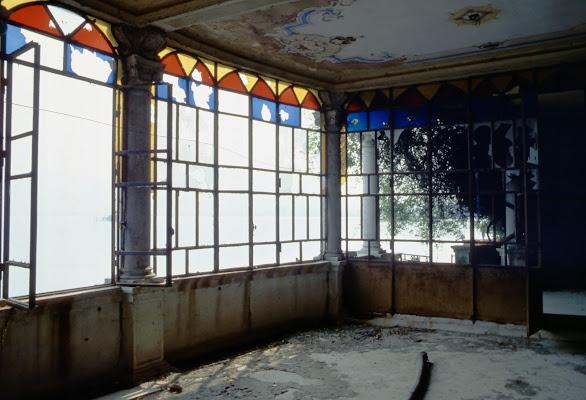 in un palazzo abbandonato di jovi55