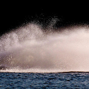 Let Her RIP !!! by Udo Weber - Backgrounds Holiday ( watersports, cottage, backgrounds, jetski, summer, fun )