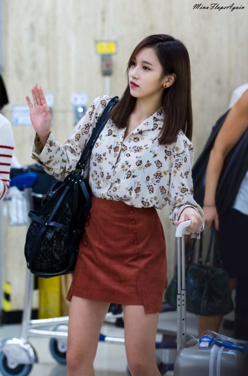75d8ff92d4bd5ca8bf3428c95f770404--airport-fashion-kpop-fashion