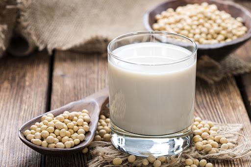 Những lợi ích đối với sức khỏe khi uống sữa đậu nành có thể bạn chưa biết